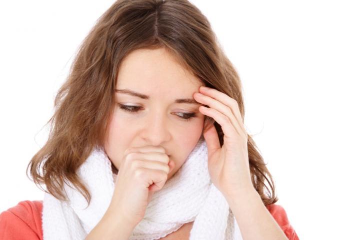 Мучает першение в горле и сухой кашель - примите меры
